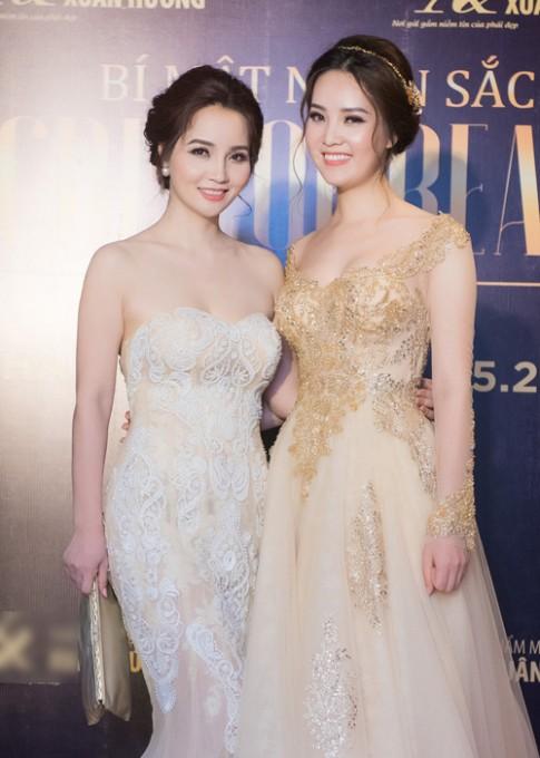 A hau Thuy Van - Mai Thu Huyen nhu chi em sinh doi
