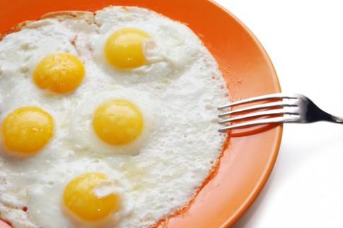 Ăn hơn 20 quả trứng một tuần, rối loạn chuyển hóa mỡ