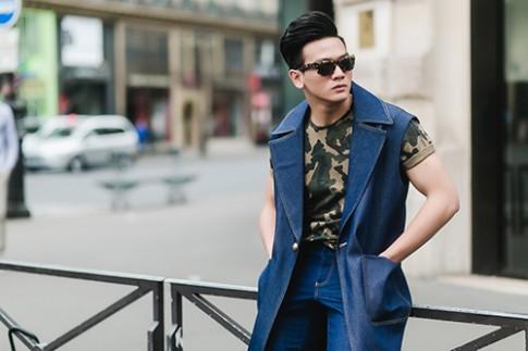 """""""Bạn trai tin đồn"""" của Đỗ Mạnh Cường lịch lãm dạo phố Paris"""