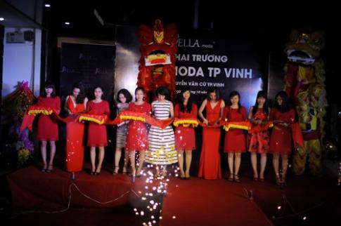Bella Moda uu dai 20% mung khai truong showroom Vinh