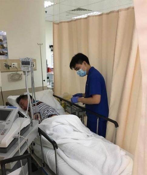 Đàm Vĩnh Hưng nhập viện cấp cứu ở Singapore
