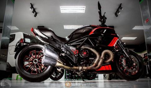 Ducati Diavel phiên bản Candy Red từ Showroom H2 Decal