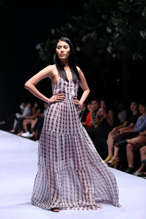 Hoa hậu Lan Khuê trở lại đầy ấn tượng trên sàn diễn thời trang