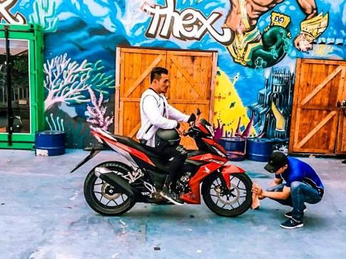 Lo anh Honda Winner 150 trong buoi chup Quang Cao