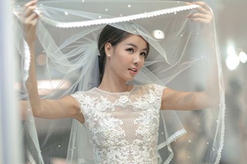 Mạc Hồng Quân chịu chi mua 4 váy cưới cho Kỳ Hân