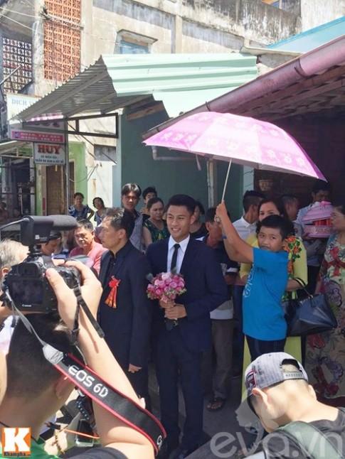 Mac Hong Quan - Ky Han hon nhau say dam trong le an hoi