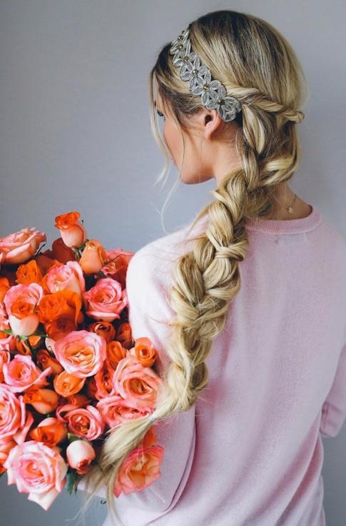 Mách bạn 8 kiểu tóc dự tiệc đẹp 2016 – 2017 cho nàng lãng mạn ngọt ngào