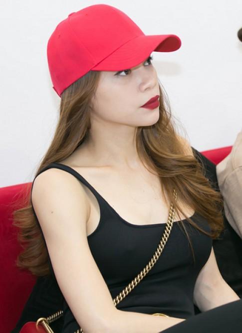 My nhan Viet chay theo mot khong noi y