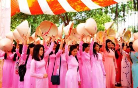 TP.HCM khuyến khích phụ nữ mặc áo dài ngày thường
