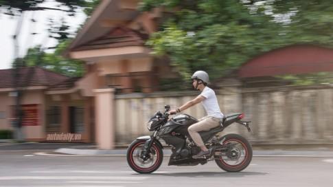 Trên yên cảm nhận chiếc Kawasaki Z300 ABS