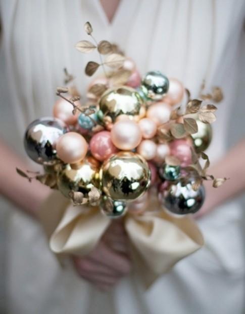 """Tròn mắt ngắm những bó hoa cô dâu cực """"độc"""" trong ngày cưới"""