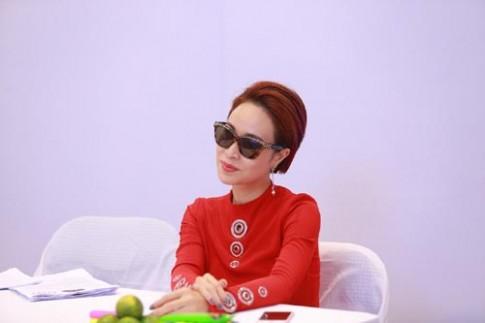 Uyen Linh sanh dieu hoi ngo Minh Quan, Bich Phuong
