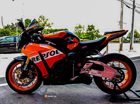 Honda CBR1000RR Repsol do cuc chat cua Superbike