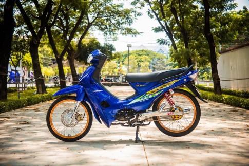 Honda Wave do style Thai Lan day phong cach va an tuong