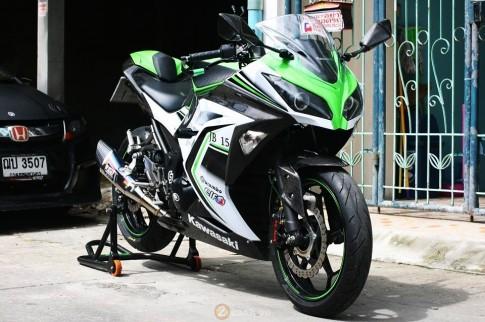 Kawasaki Ninja 300 dep mat voi phien ban do cuc chat