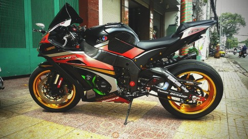 Kawasaki ZX10R 2016 cuc chat voi goi option danh gia
