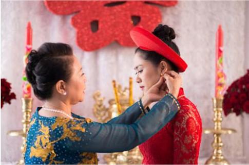 Lựa chọn trang sức hoa tai cho nàng dâu mới.