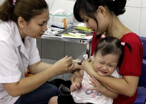 Nhiều sai sót trong quy trình tiêm văcxin ở các tỉnh