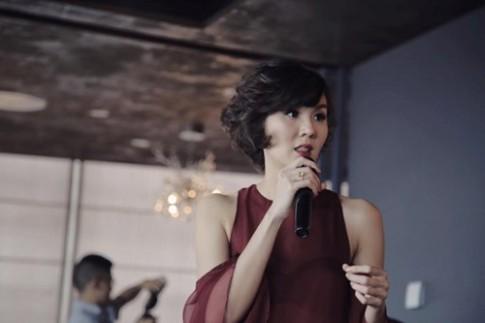 """""""Thanh lich du tiec"""" cung """"Phu thuy stylist"""" Nikita Chu va Thu Giao"""