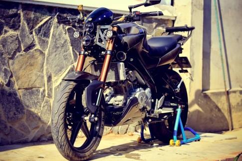 Yamaha FZ150i do day phong cach cua biker Vinh Long