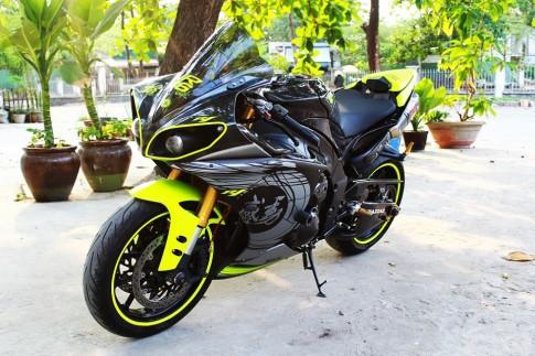 Yamaha R1 đời cũ độ cực chất của biker Sài Thành