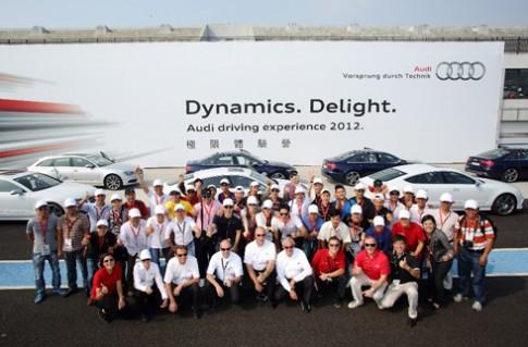 140 khach hang 'trai nghiem Audi 2012' tai Dai Loan