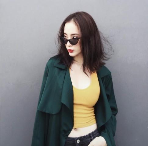 Angela Phuong Trinh cuc quyen ru du mac kin bung