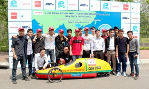 Bi quyet do xe di 1.000 km/lit xang cua sinh vien Viet Nam
