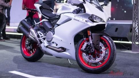 Can canh Ducati 959 Panigale vua duoc ra mat trong ngay khai mac Audi Progressive 2016