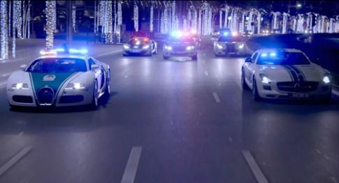 Canh sat Dubai pho dien suc manh bang sieu xe