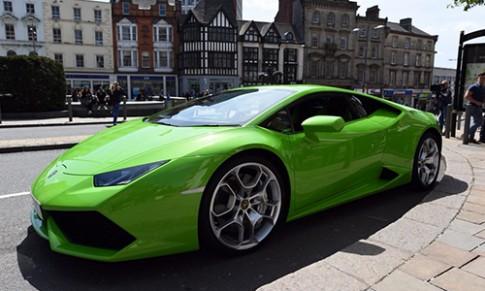 Chi tiet Lamborghini Huracan lam taxi o Anh
