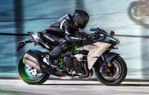[Clip] Kawasaki Ninja H2 dat toc do toi da 363 km/h
