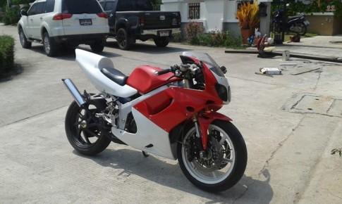Cung ngam chiec Honda NSR-150SP do phuoc USD cua ZXR400