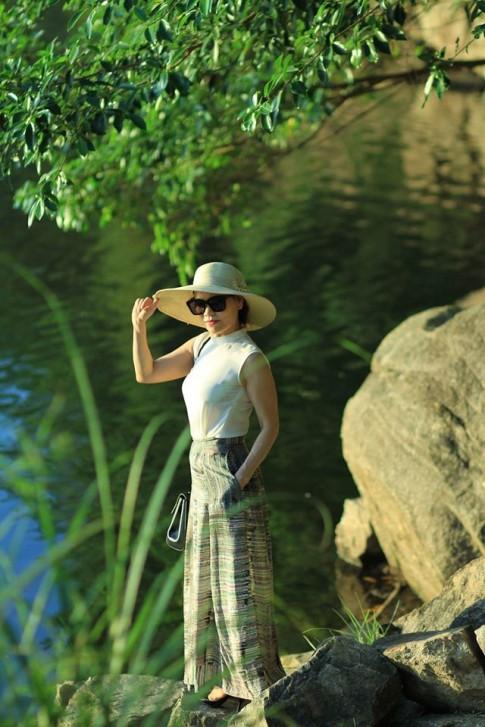 Đừng hỏi vì sao Hồ Ngọc Hà trẻ đẹp đến thế, hãy nhìn mẹ cô ấy sẽ hiểu!