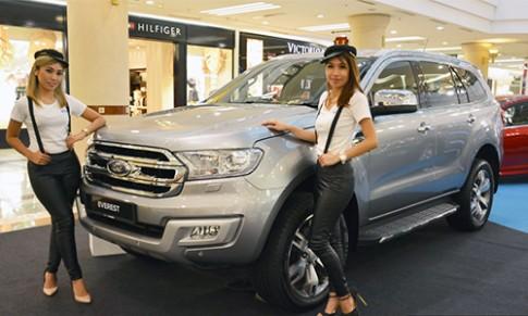 Ford Everest 2016 gia tu 49.700 USD tai Malaysia