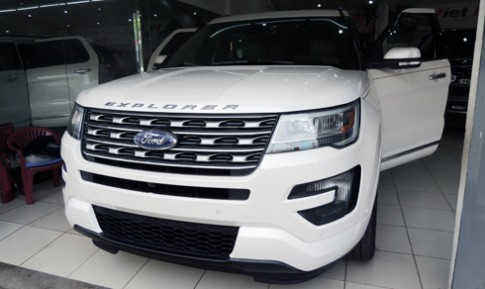 Ford Explorer Limited - SUV 7 cho kieu My ve Viet Nam