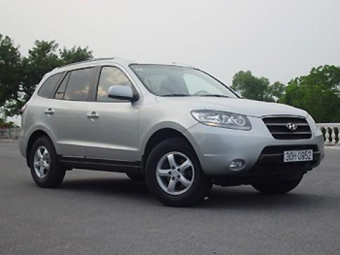 Giá Hyundai Santa Fe giảm còn 37.500 USD