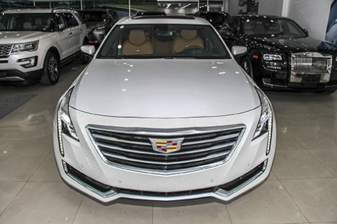 Hang doc Cadillac CT6 Premium Luxury gia hon 5 ty dong