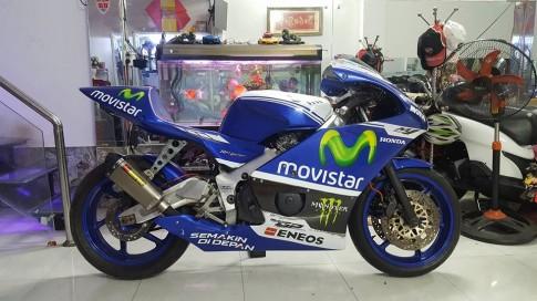 Honda CB400 lot xac thanh Sport Bike chay san cuc ngau