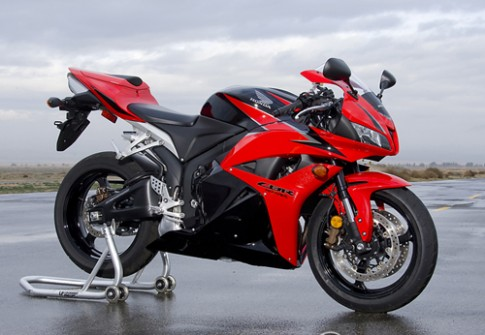 Honda CBR600RR - moto cu tot nhat