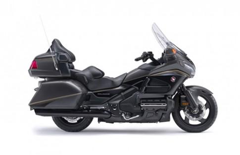 Honda Goldwing thêm 'áo mới' giá 19.600 USD