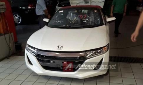Honda S660 xuat hien tai Indonesia gia 57.000 USD