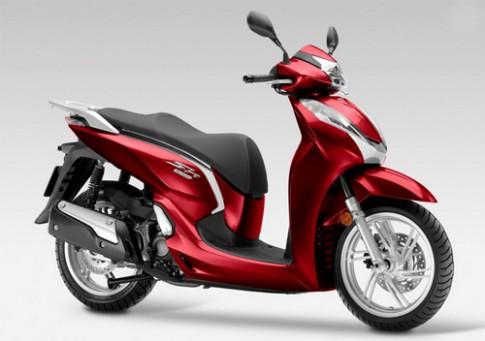 Honda SH300i 2015 dung den pha LED