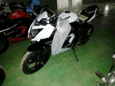Kawasaki sap tung Ninja 250RR xi-lanh don