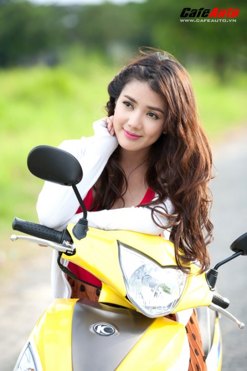 Kymco Candy 50 so dang cung hot girl Linh Napie