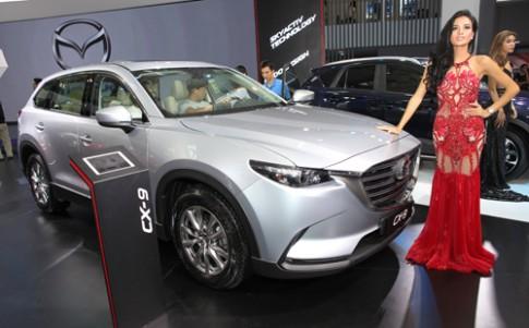 Mazda CX-9 the he moi ra mat khach Viet