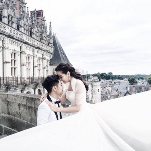 MC Mai Ngọc gây sốt khi tung ảnh mặc váy cưới Vera Wang tại Châu Âu