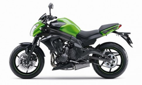 Nakedbike Kymco 600 mang dang dap Kawasaki