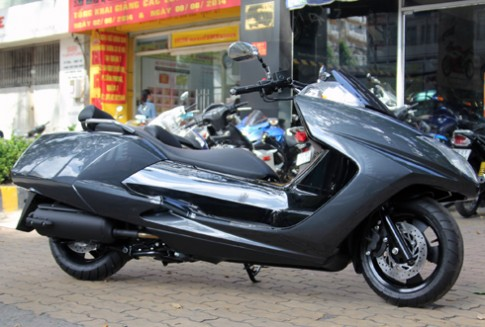 'Phi thuyen mat dat' Yamaha Maxam 2014 ve Viet Nam