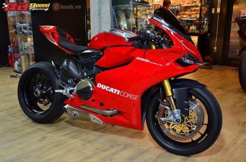 Phien ban cao cap Ducati 1199 Panigale R trong ban do sieu chat